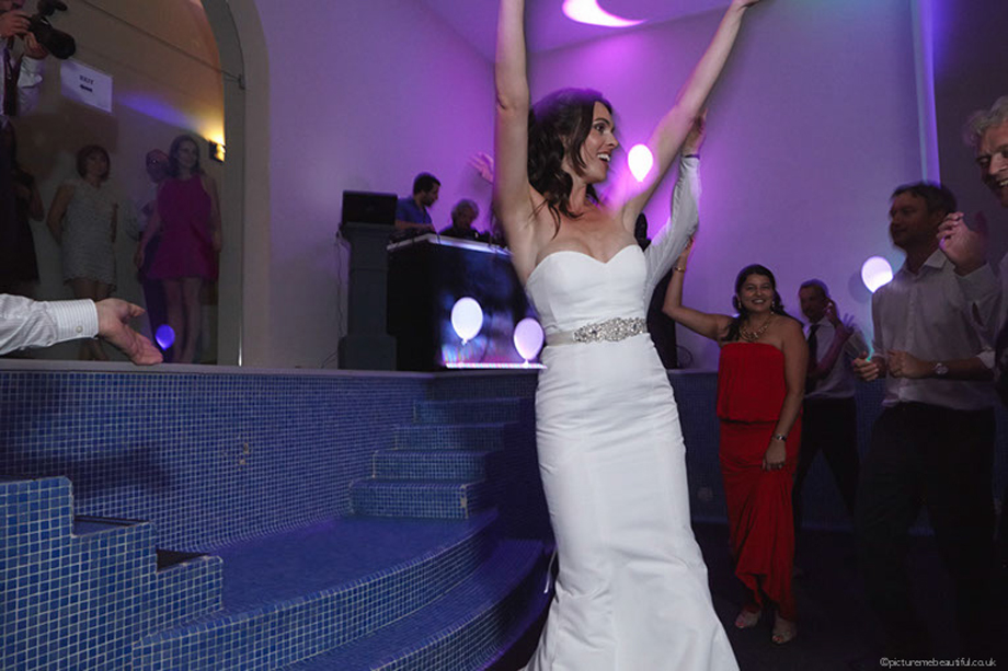 dancing-queen-by-picture-me-beautiful-wedding-photography
