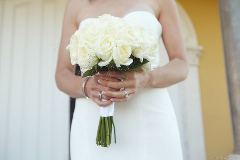 wedding-bouquet-by-picture-me-beautiful-photography.